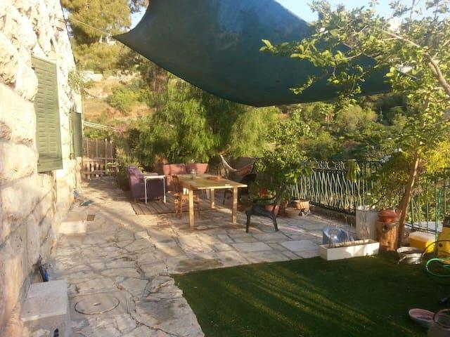 stone villa in ein karem yamanith valley - Jerusalem - Villa
