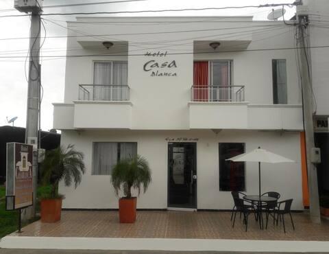 Hotel Casa Blanca La 30