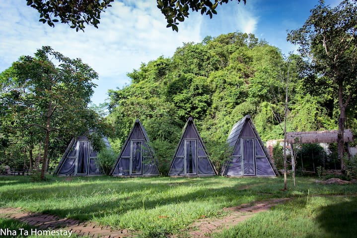 Private A-shaped bungalow - Nha Ta Homestay