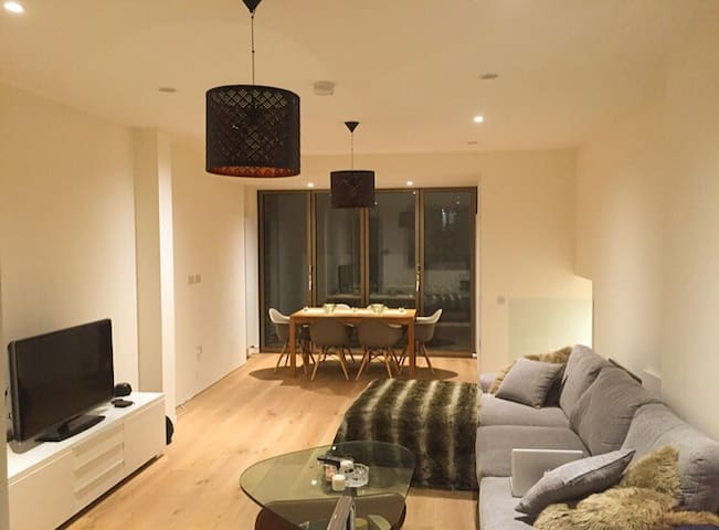 Double Bedroom in Luxury Flat - Oxford Circus