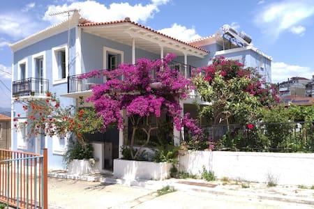 Pylos House Maria