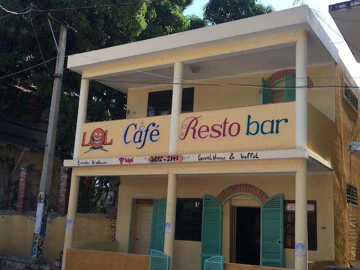 Lol Café Guest House Jacmel