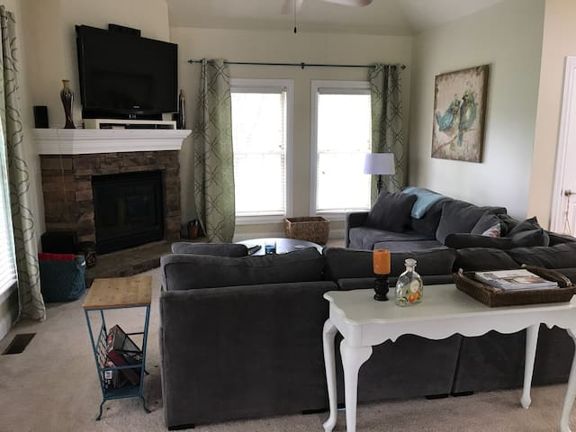 25 minutes from Churchill Downs - Prospect - House