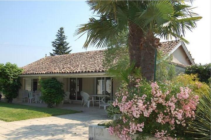 2 bedroom bungalow, rural garden space and pool