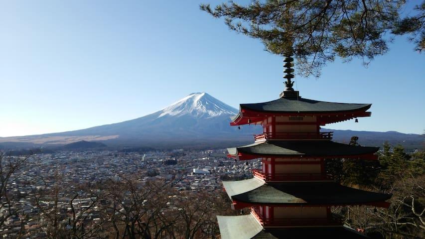 富士山が見える部屋。4~6名様貸切。夕食、朝食  無料【民泊-侍SAMURAI】河口湖駅まで無料送迎