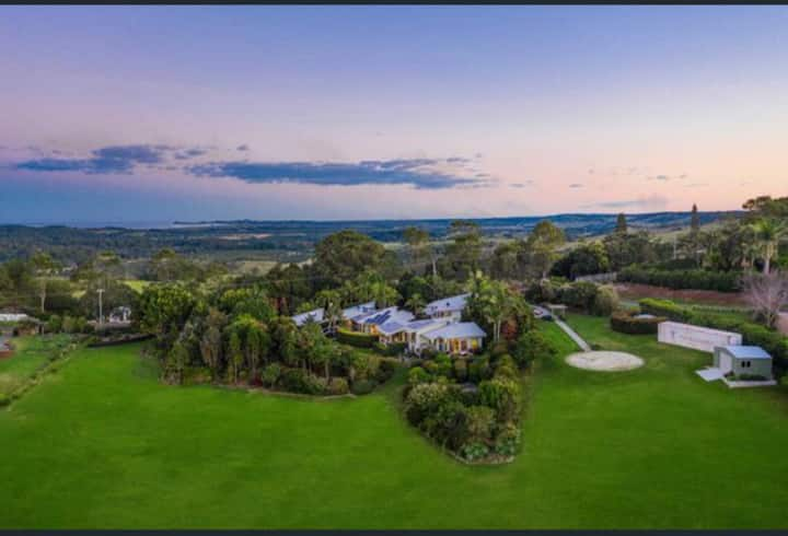 Ivory Villas Luxury accommodation in Byron Bay.