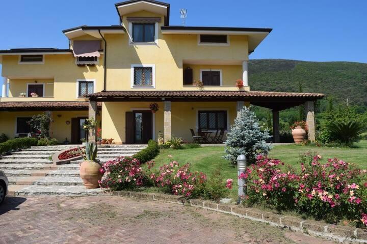 B&B Villa Cristina Camera 4PP Monte Grande