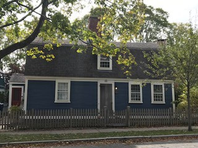 Aaron Peck House - North Kingstown