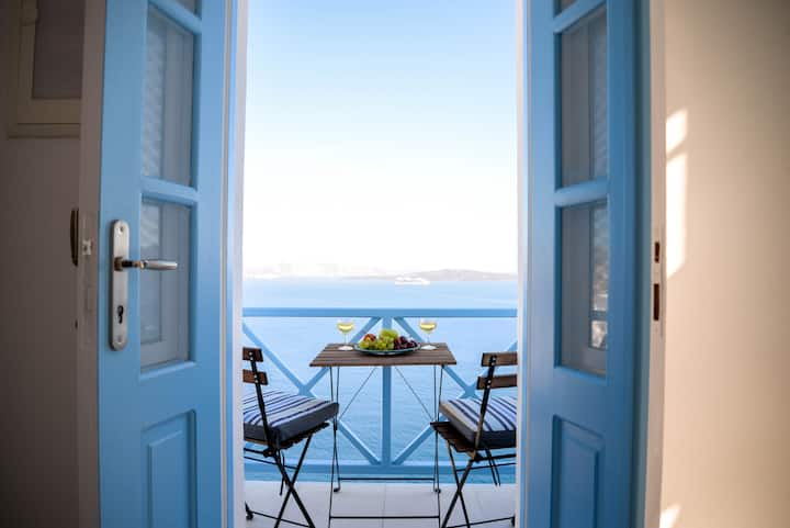 Double Room in Oia with direct Sea & Caldera View