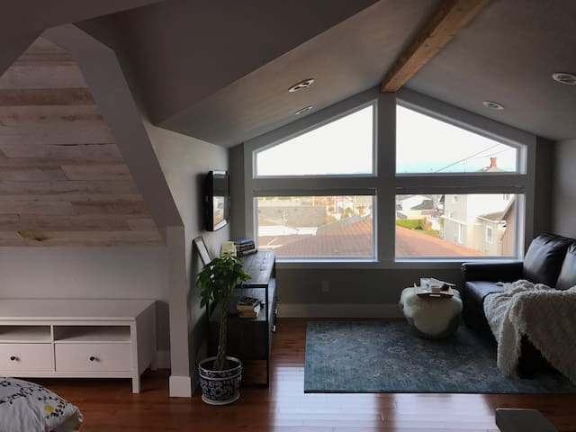 A'Town Loft Studio Apartment w/View