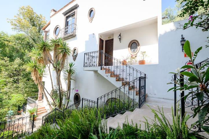 Charming Villas by Casa Holistic B&B (Dalia)