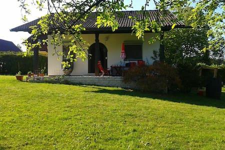 Haus samt 1100 qm Garten für 1-2 Personen - Völkermarkt