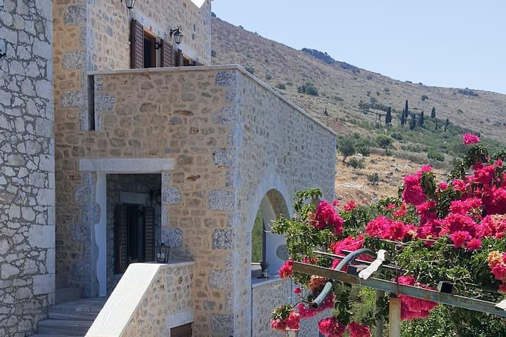 Pitsouni Stone House studio 1