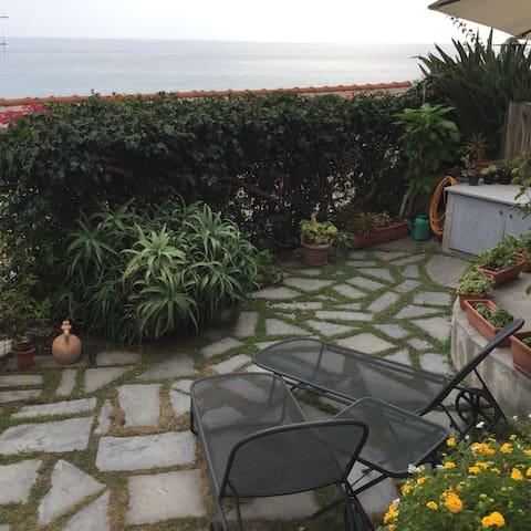 Casa Heima giardino sul mare - Cervo - Huis