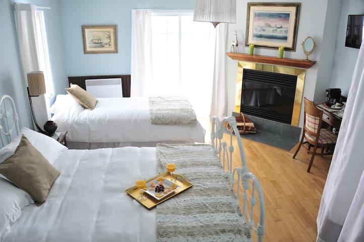 L'Authentique Auberge, 5 chambres,petit dej inclus - Les Éboulements - Bed & Breakfast