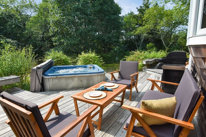 #459: Walk to Water, Large Decks w/ Hot Tub, & Game Room w/ Ping Pong Table!