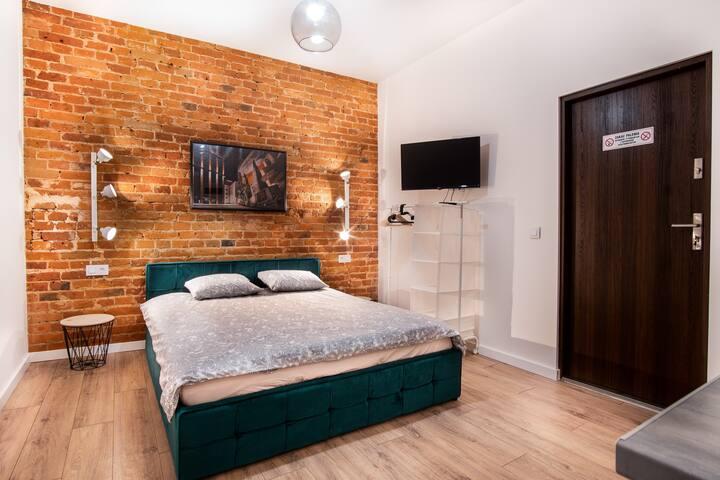 Dream Aparts - Studio Brick