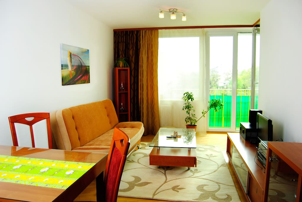 Salon z aneksem, duży balkon 6,5 m, kanapa 120x200 cm