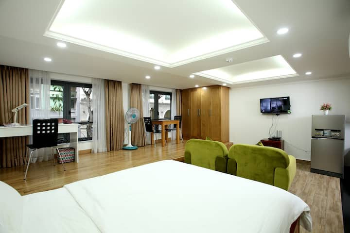 Phu My Hung - Spacious Cozy Apartment