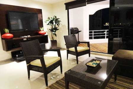 Cancun fully renovated Apartment at the Hotel Zone - Wohnung