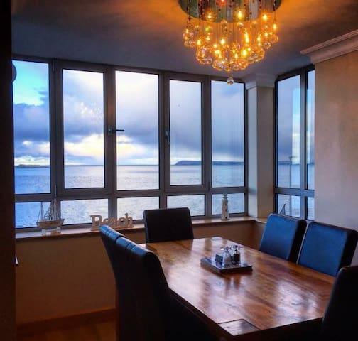 Amazing modern apartment & fabulous views