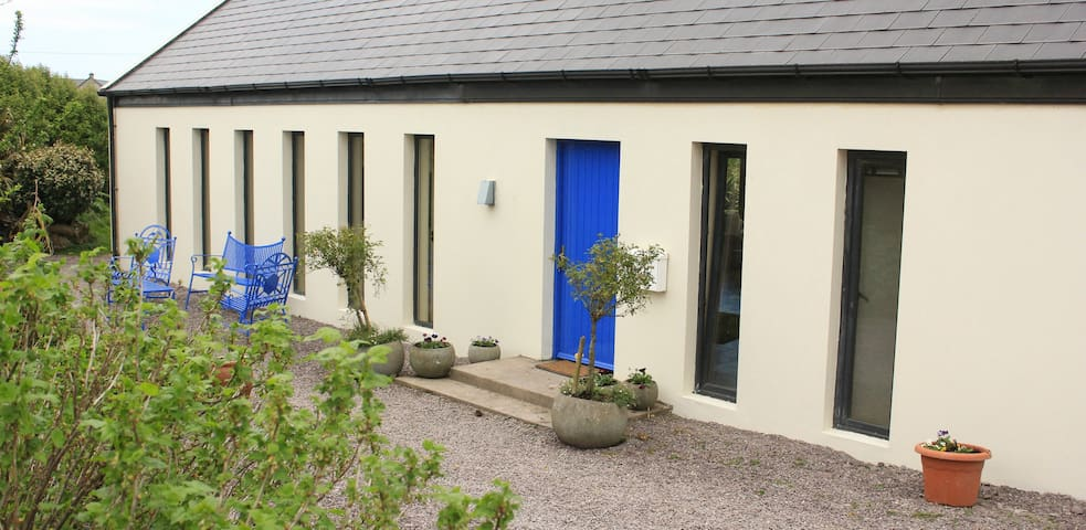 The Blue Door House - The Orange Room - Kerry - Bed & Breakfast