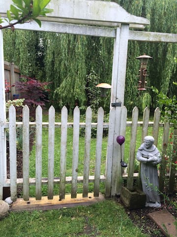 Garden Tiny Guest House Sanctuary - Bellingham - Guesthouse