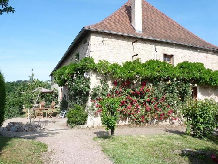 Gîte dans la grange d'un château, près de Vichy
