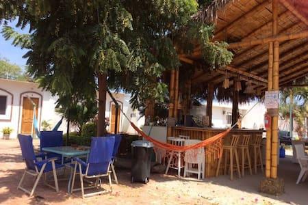 CASA BLUE TORTUGA - Ballenita - House
