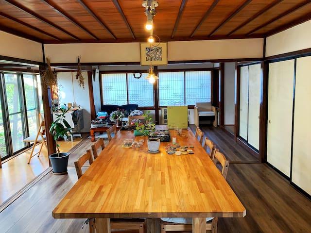 七宝焼作家が住む民泊工房(七宝焼も体験できるよ。別途金額はかかります)room1