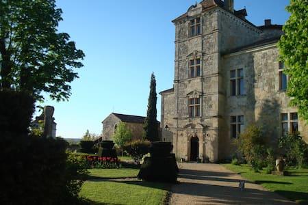 Château du Fréchou - Chazeron Suite - Fréchou