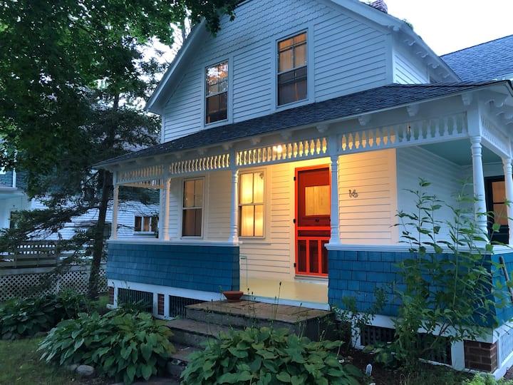 Maxson House - a serene and stylish getaway