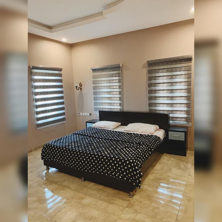 Villa Gracia Comfy Bed & Bath 1
