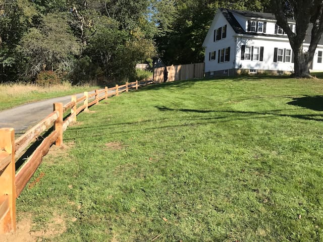 Maine goodness: Splendid location and privacy