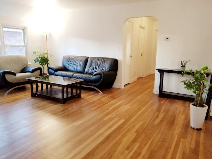 Extremely Spacious House with Countless Amenities!