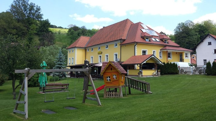 GuestHouse Čater - Single Room | ☑ Breakfast incl.