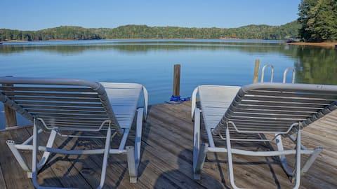 Симпатичная  хижина  на озере Хартвелл