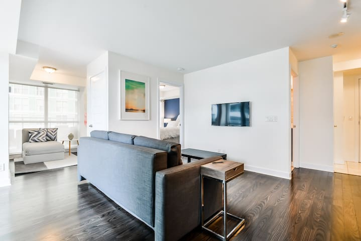 Luxury Suite with 600 Sq.Ft Private Terrace - Toronto - Apto. en complejo residencial