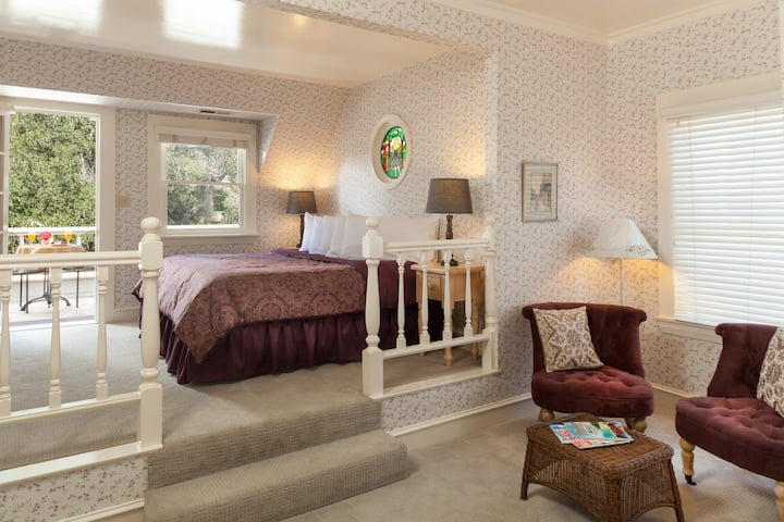 Romantic balcony suite in  Alice in Wonderland themed B & B