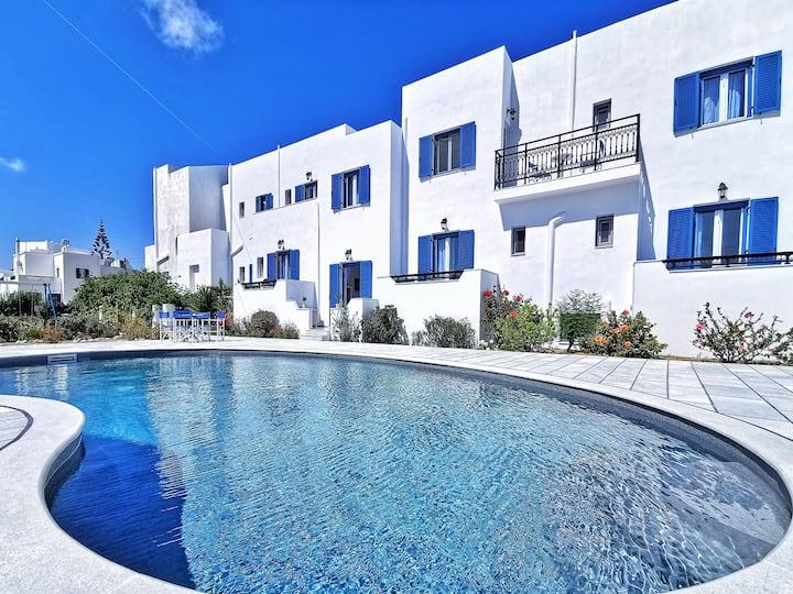 Ikaros Apartments on Naxos island
