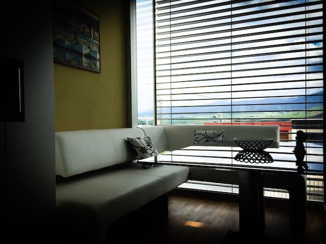 Nice View Modern Studio