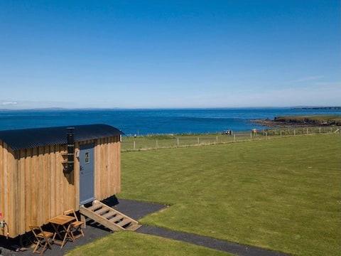 Crofter's Snug Three: Shepherds Hut amazing views!