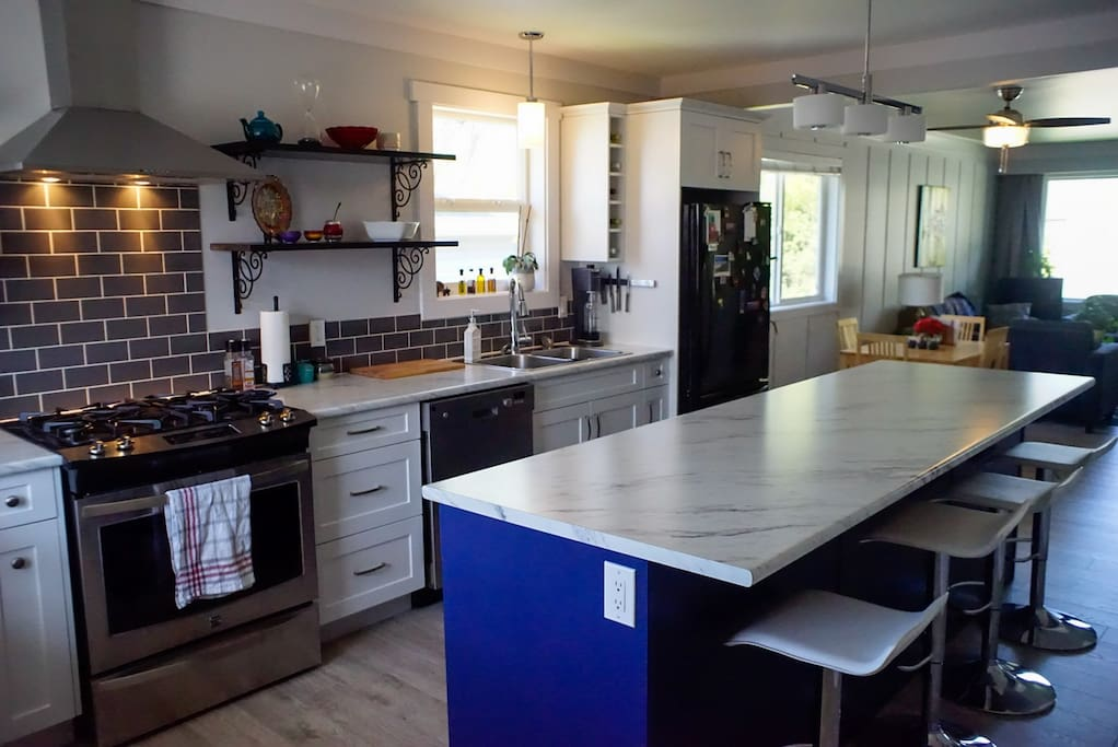 Kitchen with 9ft island