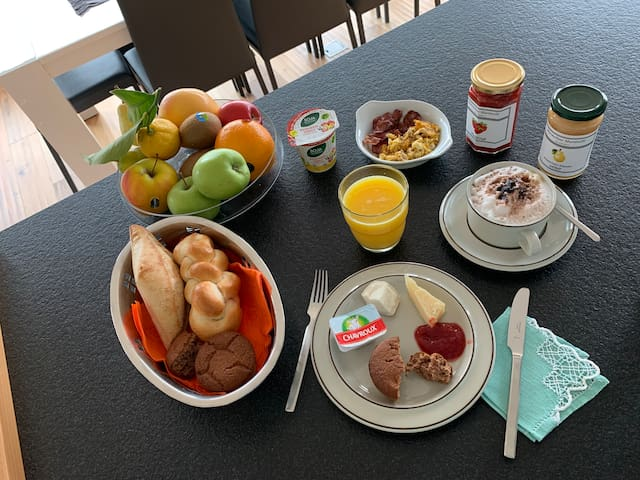 Con gli ingredienti che vi mettiamo a disposizione potete prepararvi una colazione squisita