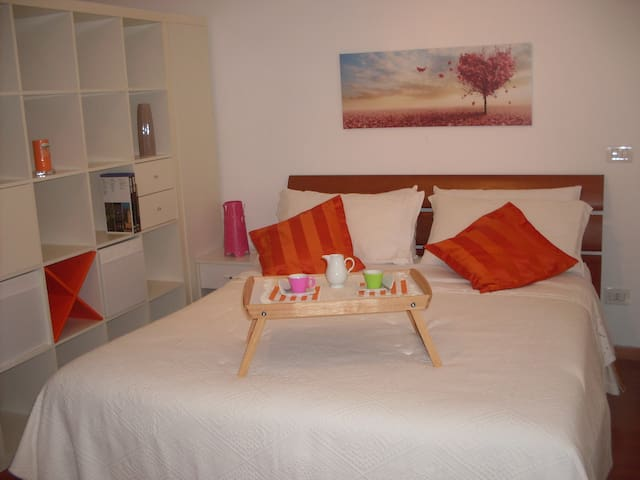Charming Romantic Studio near Tiburtina St.