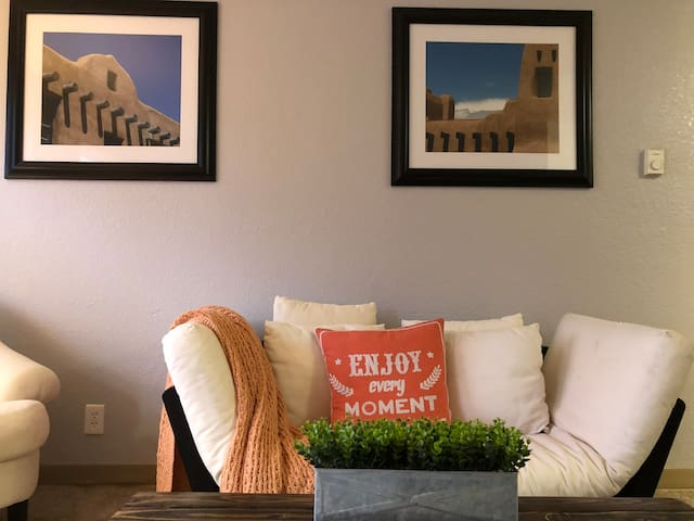Cozy ABQ Private Apartment Downtown