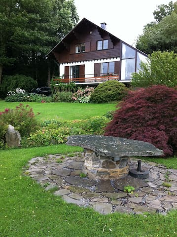 comfortable chalet ardennais - Roanne-Coo - House