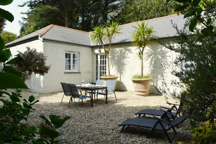 Luxury 5-star cottage near the Cornish coast on the Bonython Estate, Lizard Peninsula - Helston  - Hus