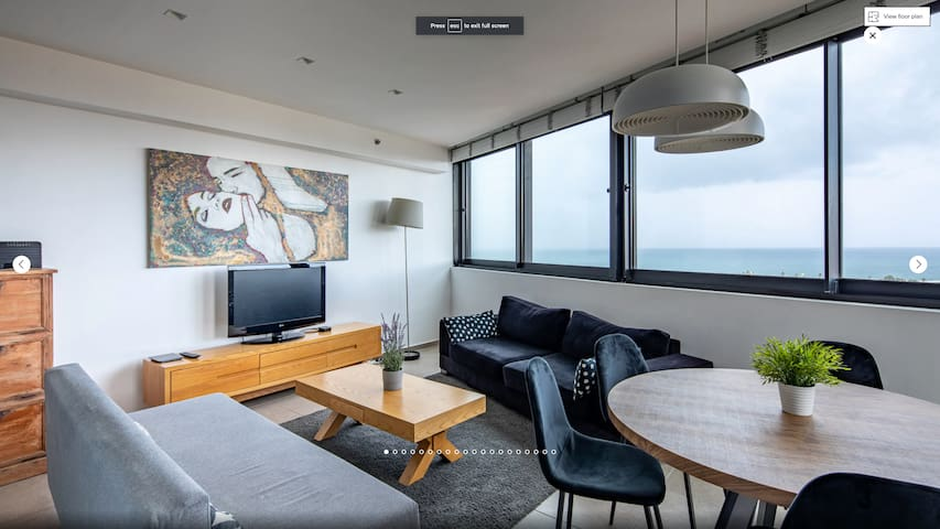 Sea view 2Bedrooms apt with FREE Pool & Parking :)