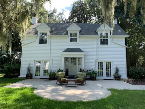 1920 Carriage House on Riverfront Estate-Weddings